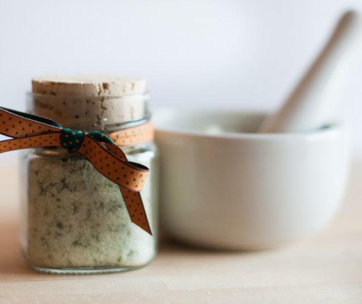 Zeliščna sol – izdelaj svojo sol z okusom