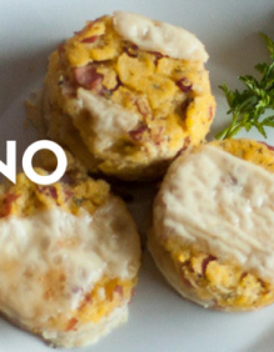 Recept: polenta s pršutom in sirom