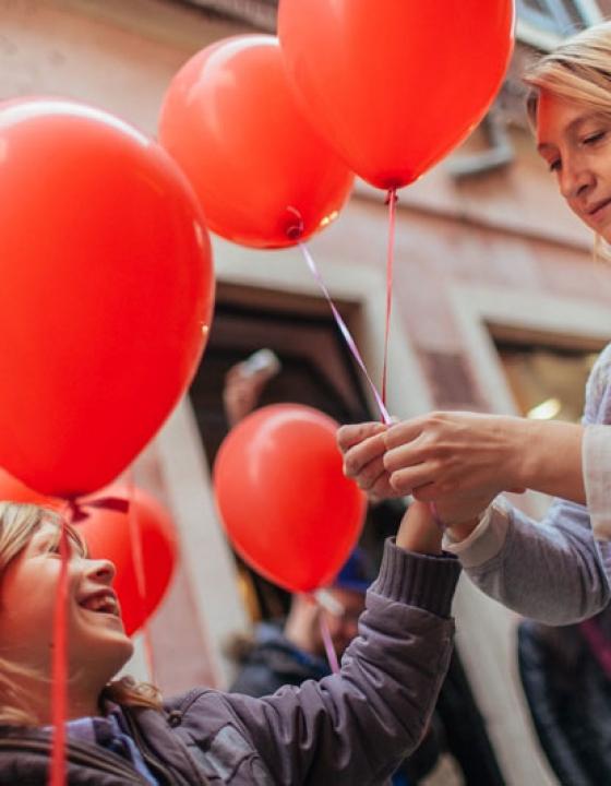 3. vseslovenski pohod z rdečimi baloni v Kopru (foto reportaža)