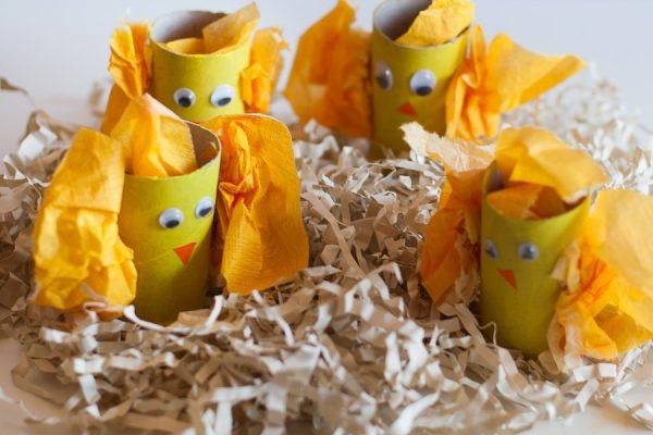Velikonočni piščančki iz WC rolic