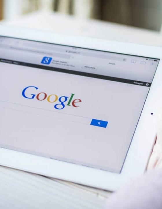 Išči pametneje: Google triki in nasveti, ki bodo spremenili način vašega iskanja