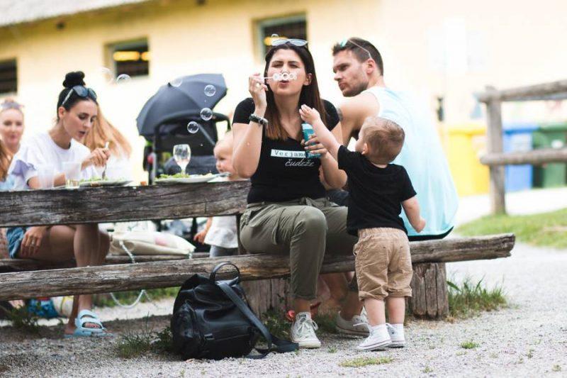 Mami blogerke družinski piknik