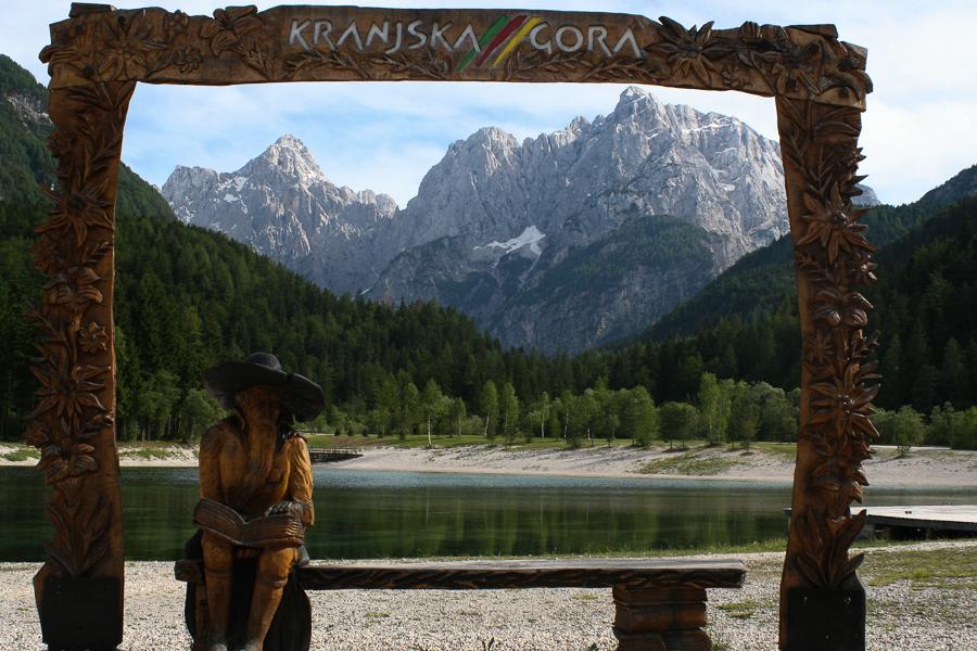 Kranjska Gora jezero Jasna Pogled na Razor in Prisank