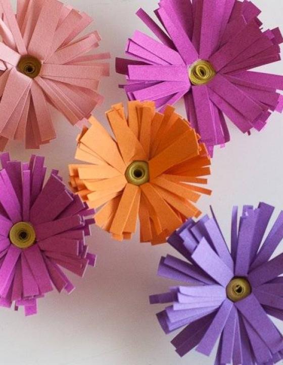 DIY Barviti šopek rožic iz papirja