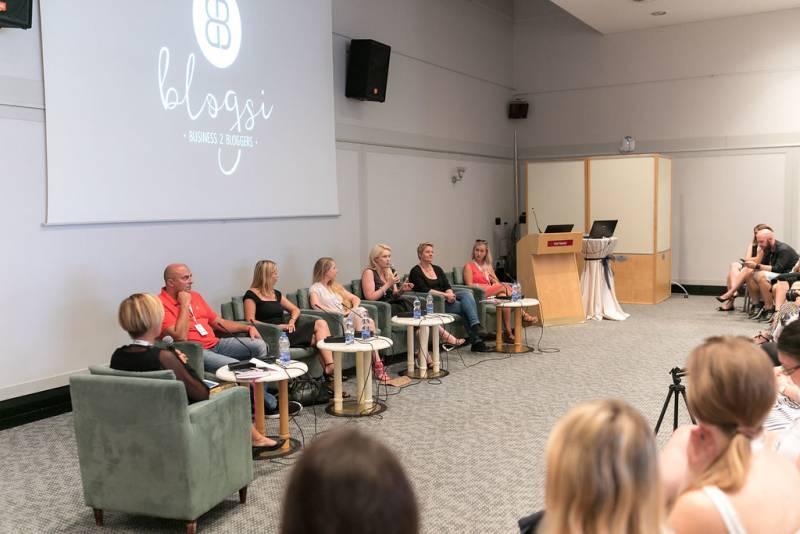 Blogsi - Okroga miza s predstavniki podjetij (foto Sami Rahim).