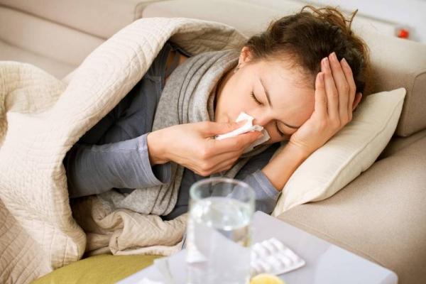 """Prehlad ali kaj hujšega? Samotestiranje z Veroval """"Potrebujete antibiotik?"""""""