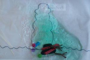 Fina motorika - snežak v vrečki