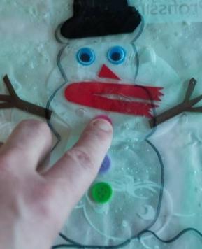 Fina motorika – Snežak v vrečki