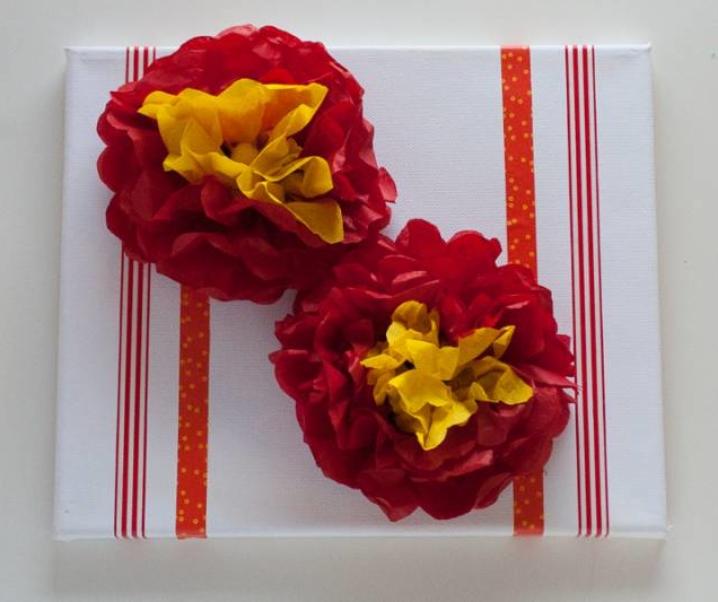 Ideja za darilo – svilene rože na platnu