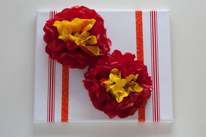Svilene rože na platnu