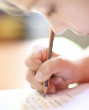 """Otrokovo pismo: """"Mama, včasih ne znam drugače."""""""